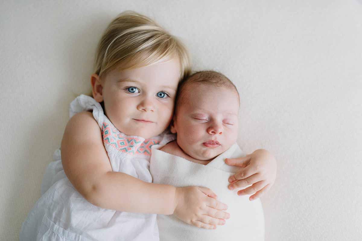 søster med newborn foto i Sønderborg